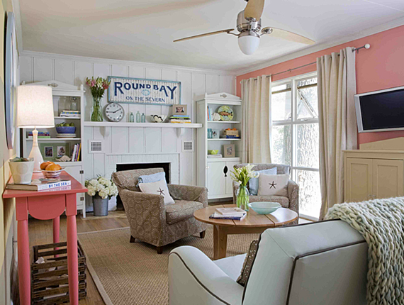 A Fun Family Friendly Room With Crisp Familiar Colorful Styling Today S New Cottage Style Cottage Style Decor Cottage Style Homes Beach Style Decorating