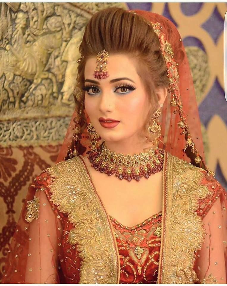 KASHEES Beautiful Bridal Hairstyle and Makeup Beauty parlour ...