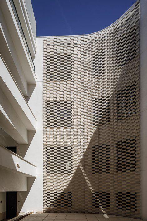 Building refurbishment for holiday apartments, Seville, 2017 - FAQ arquitectura