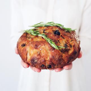 Havergrutten Panbrood Met Olijven