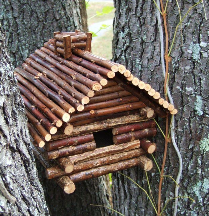 Nistkästen selber bauen - tolle Beschäftigung für Vogelliebhaber - Archzine.net #birdhouses