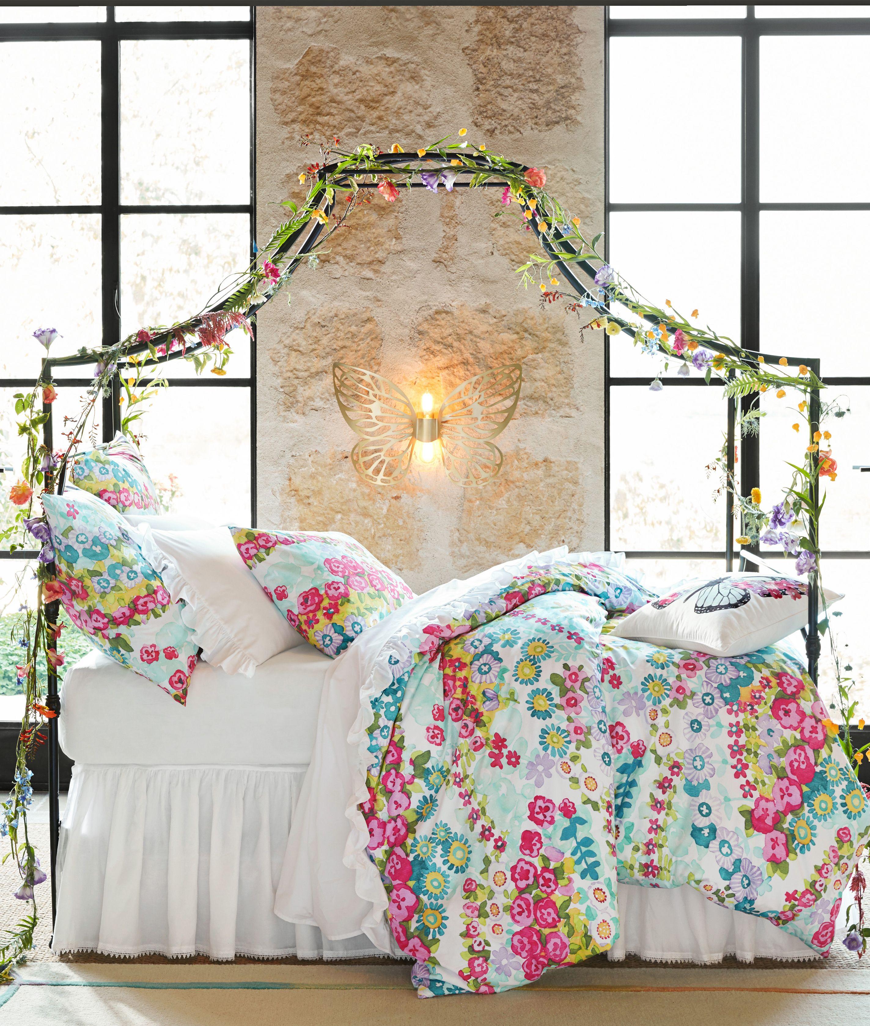 dream away in this enchanting sleep space schlafzimmer bedroom pinterest. Black Bedroom Furniture Sets. Home Design Ideas