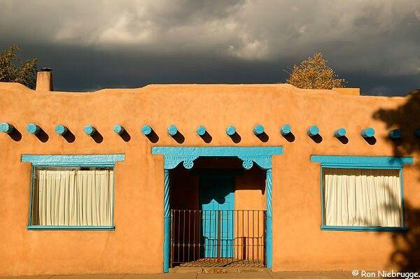 Adobe Taos Nm Adobe House Spanish Style Homes Mud House