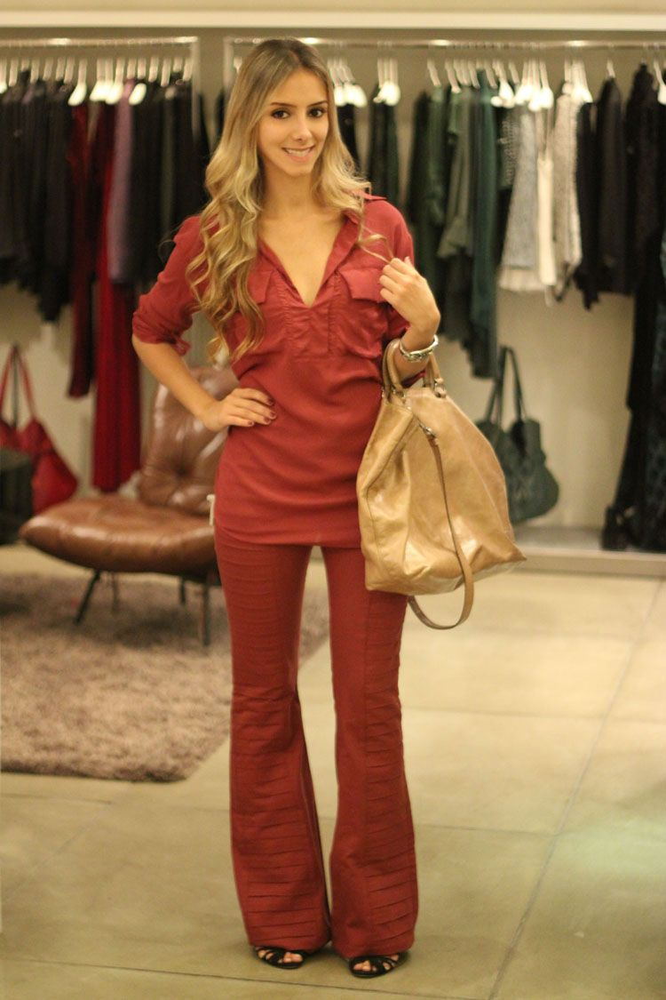 8fa834f33e4 look-da-onca-ateen -inverno-look-monocromatico-vermelho-all-red-camisa-vermelha-ateen -calca-vermelha-ateen-bolsa-prada-sandalia-schutz