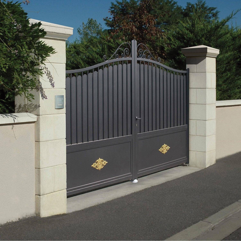 Kit De 2 Piliers En Pierre Reconstituee Saintonge H 190 X L 40 X P 40 Cm Weser Entrance Gates Design House Gate Design Gate Design