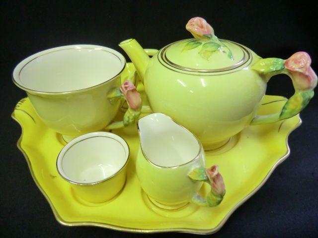 RARE ROYAL WINTON breakfast tray set in Yellow