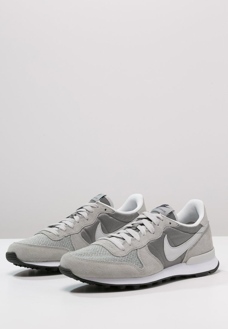 online store e5473 a9b5d Nike Sportswear INTERNATIONALIST - Baskets basses - mid base grey light ash  grey - ZALANDO.FR