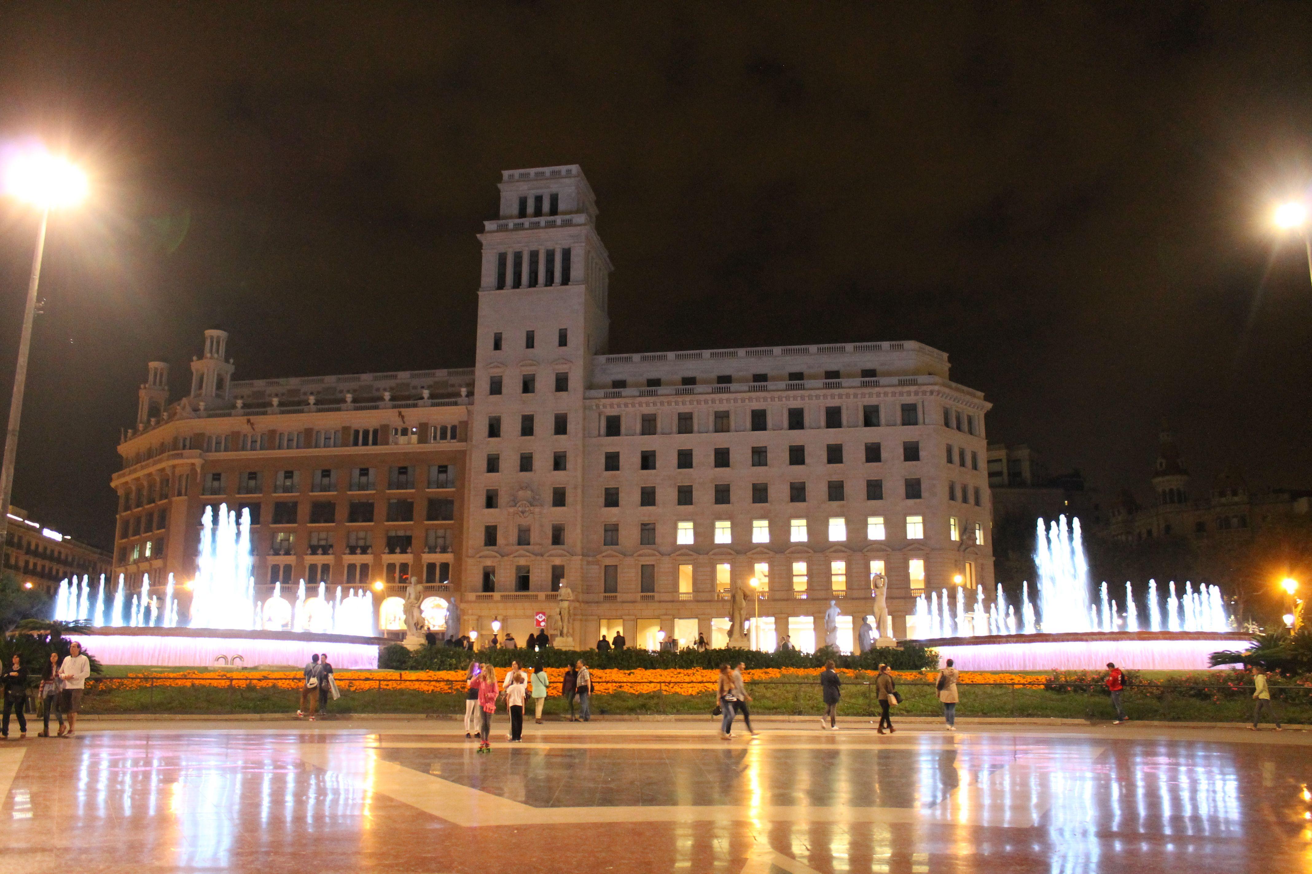 #PlaçadeCatalunya #Barcelona #Spain