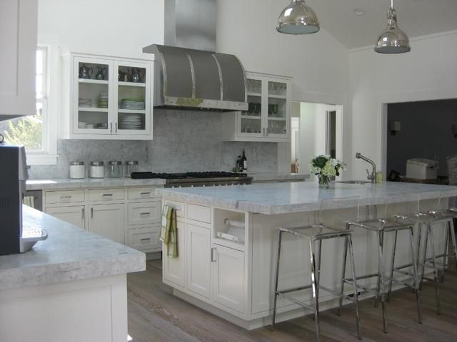 White Princess Granite Looks Like Marble But Has The Properties Of Granite Perfect For A Kitchen With A Real Cook Kitchen Remodel Home Kitchen Makeover