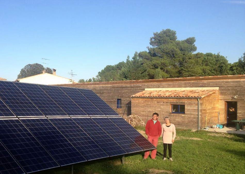 Une maison indépendante énergétiquement grâce à des panneaux - consommation energetique d une maison