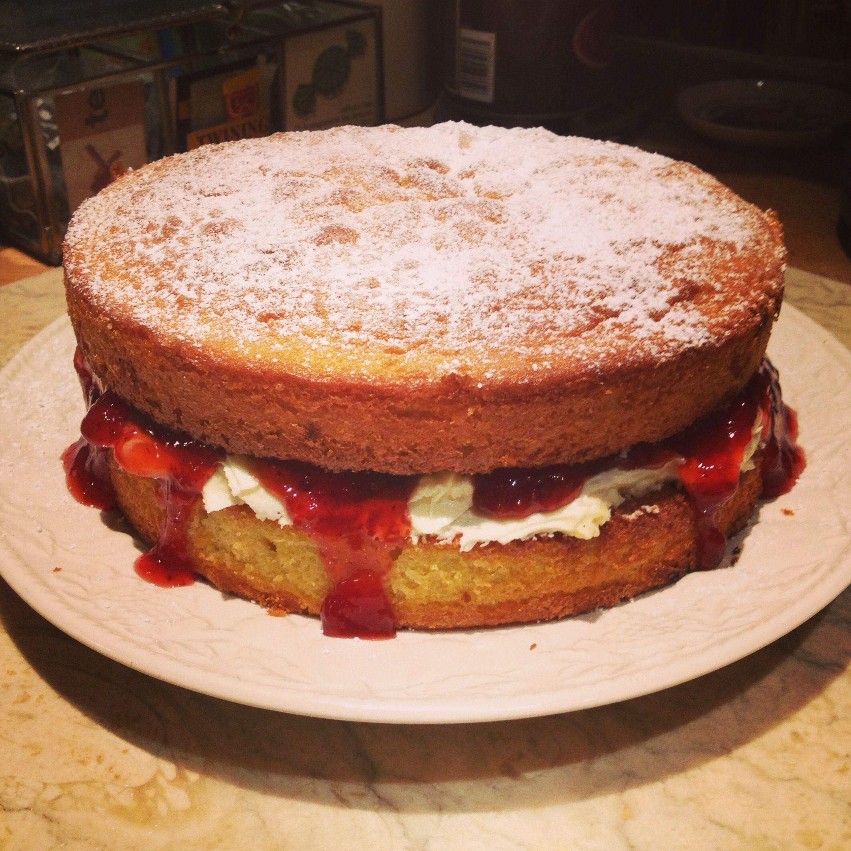 mmm.. victoria sponge my favourite cake to make