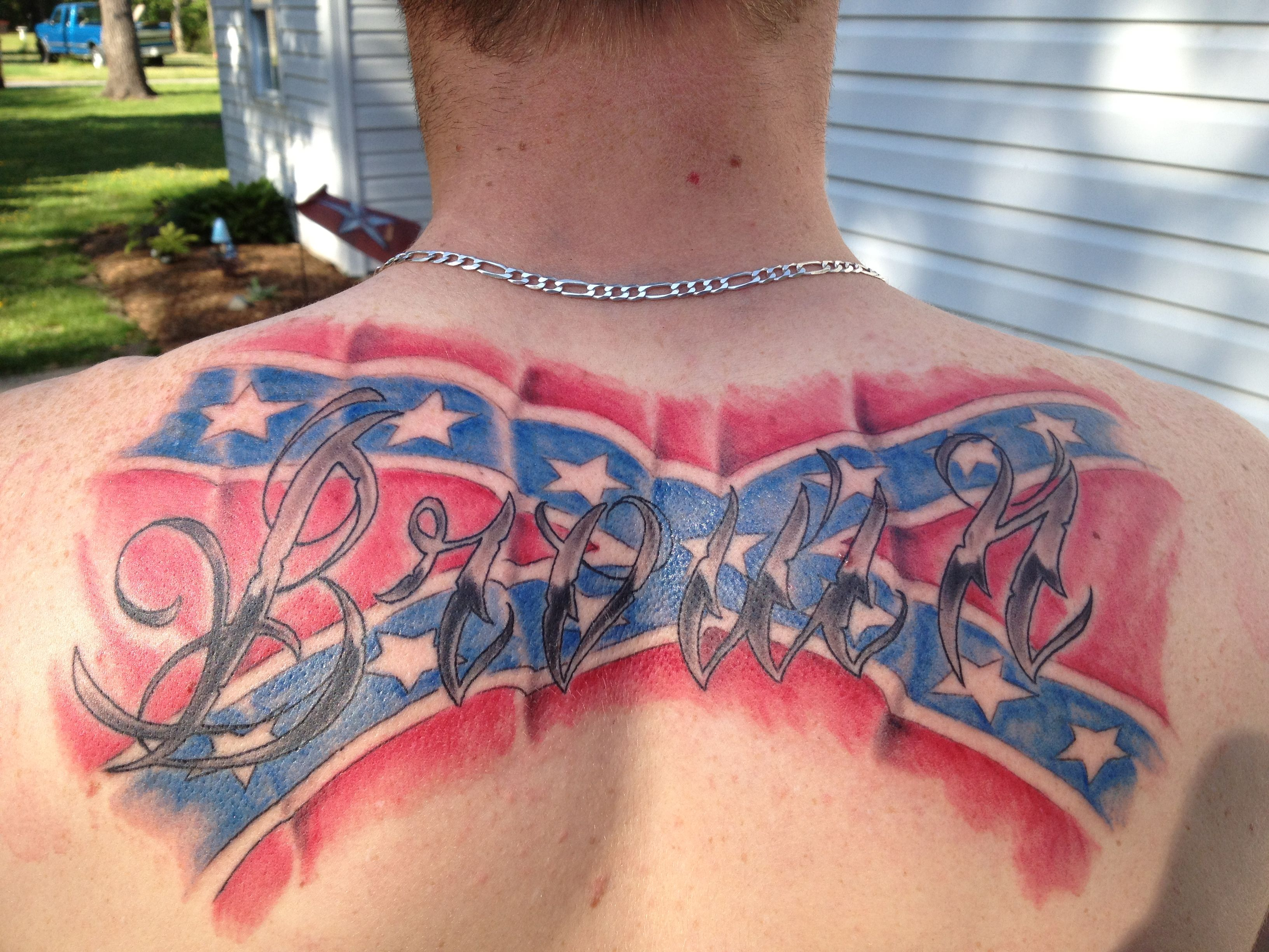 Last name tattoo but with the american flag tattood i 39 m for Last name tattoos on back