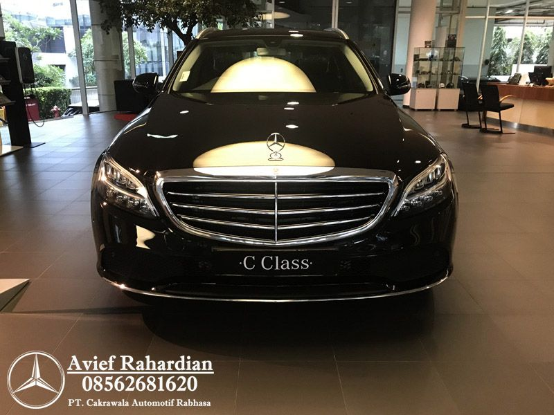 Pin Di Dealer Mercedes Benz Jakarta