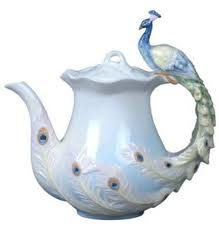 Aww I want this =) Peacock Teapot