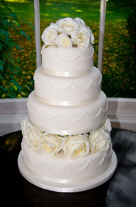 Classic Bride Wedding Cake