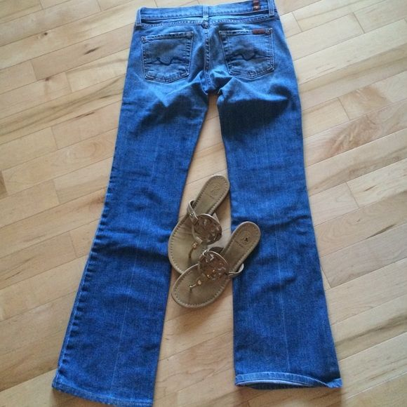 7 for all mankind boot cut jeans gently worn. Size 25. Beautiful wash 7 for all Mankind Pants