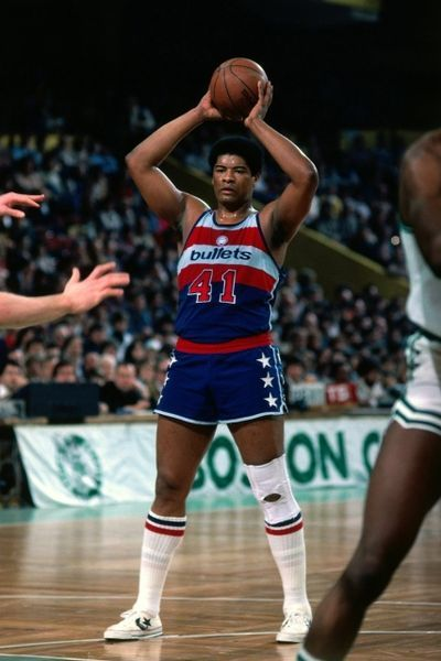 The Bullets Now Named The Washington Wizards Have A Long History Formerly The Nba Chicago Packers 1961 62 Renamed Th Nba Basketball Players Nba Nba Legends