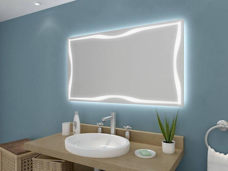 Badezimmerspiegel Lampe ~ Dekorativer badezimmerspiegel segmea mit hinterleuchteten
