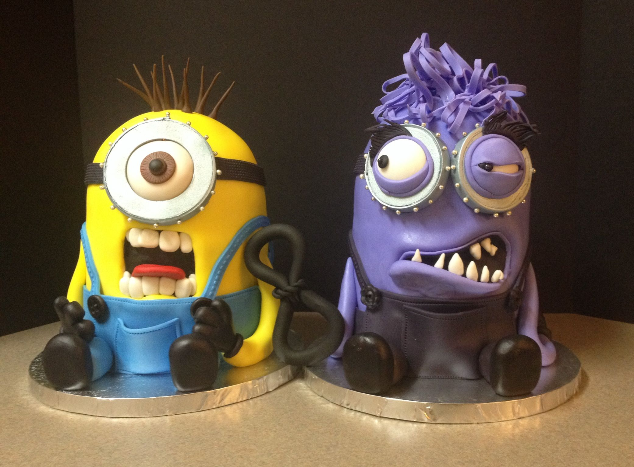 Minion birthday cakes for twins! Loved making this one!