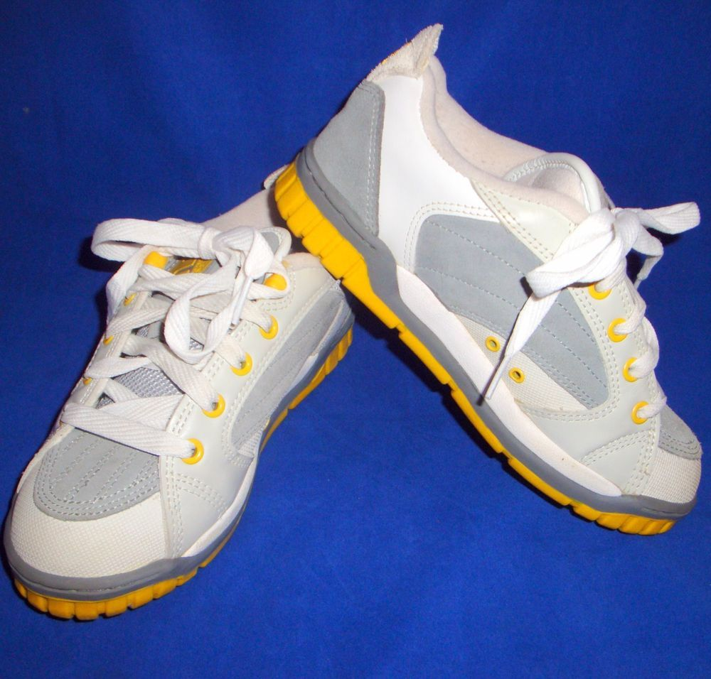 ETNIES Czar Size 8 Leather Skate Shoes Sneakers White Grey