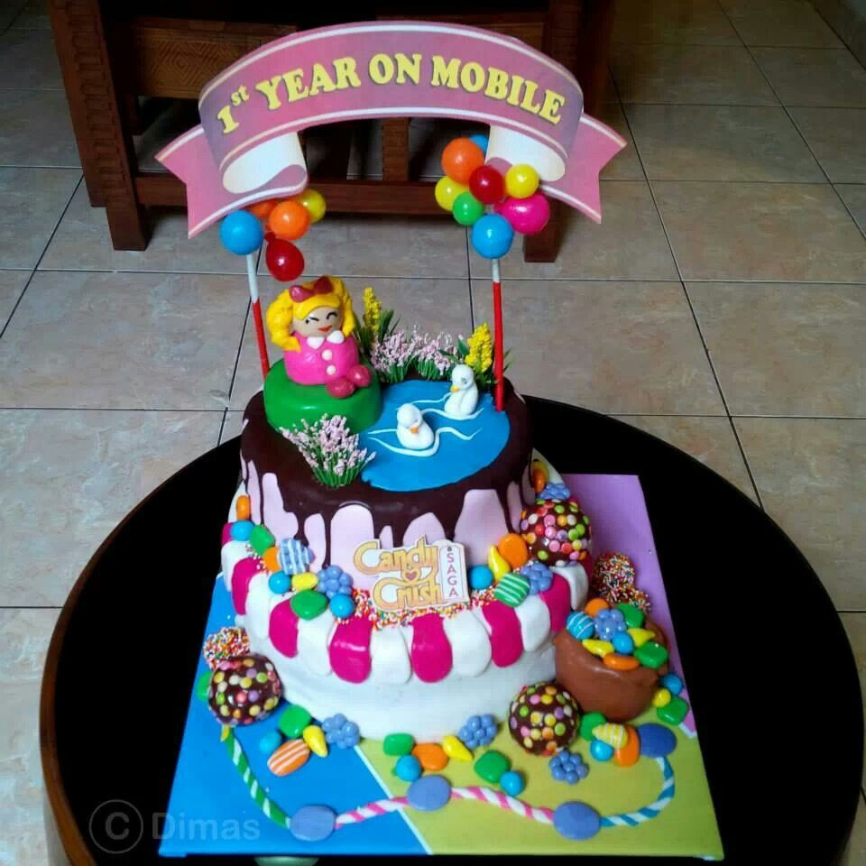 Devine Sweet Bebe Love this Candy Crush Saga cake Sugar