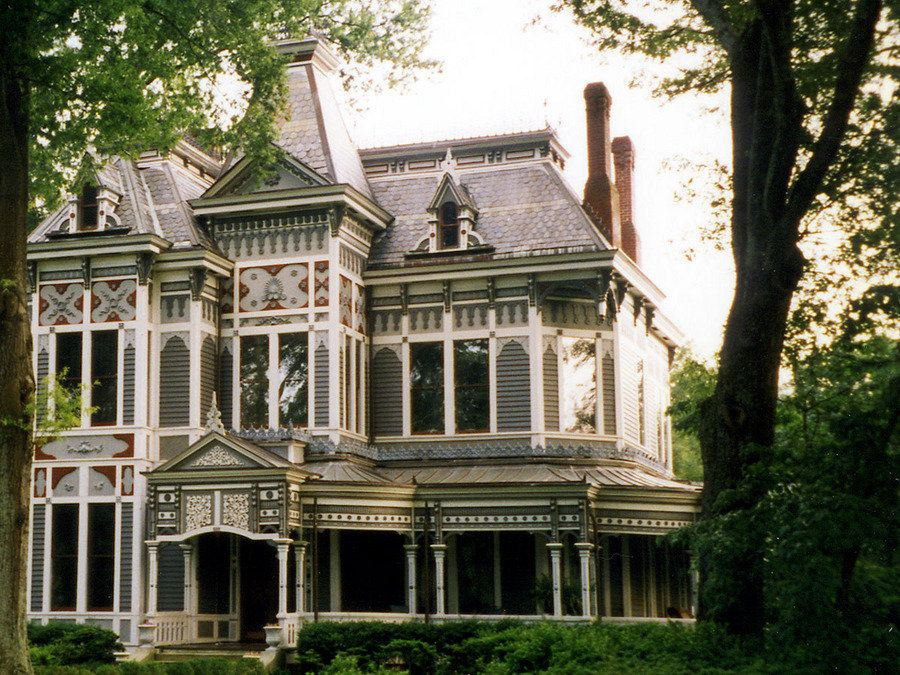 Mansion In Historic Newnan Georgia Victorian Homes Unusual Homes Mansions