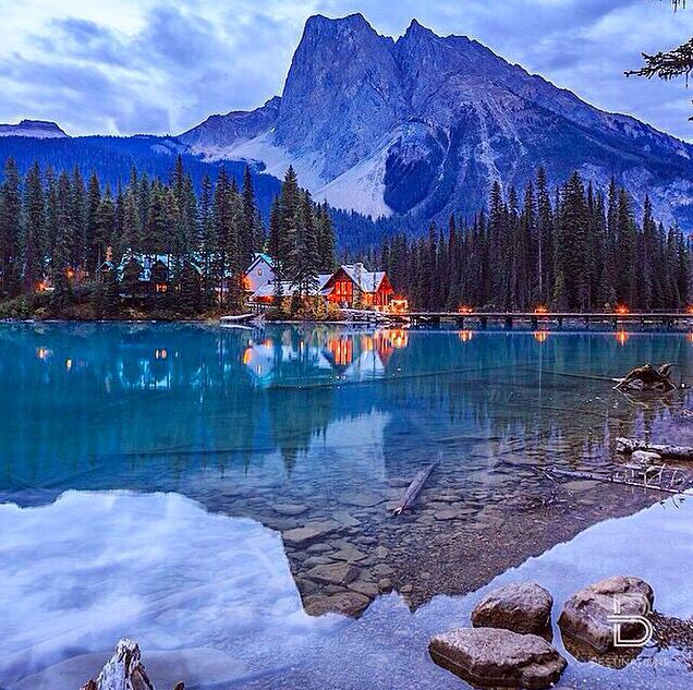 Emerald Lake Lodge Yoho Nat L Park Bc Canada Canadian