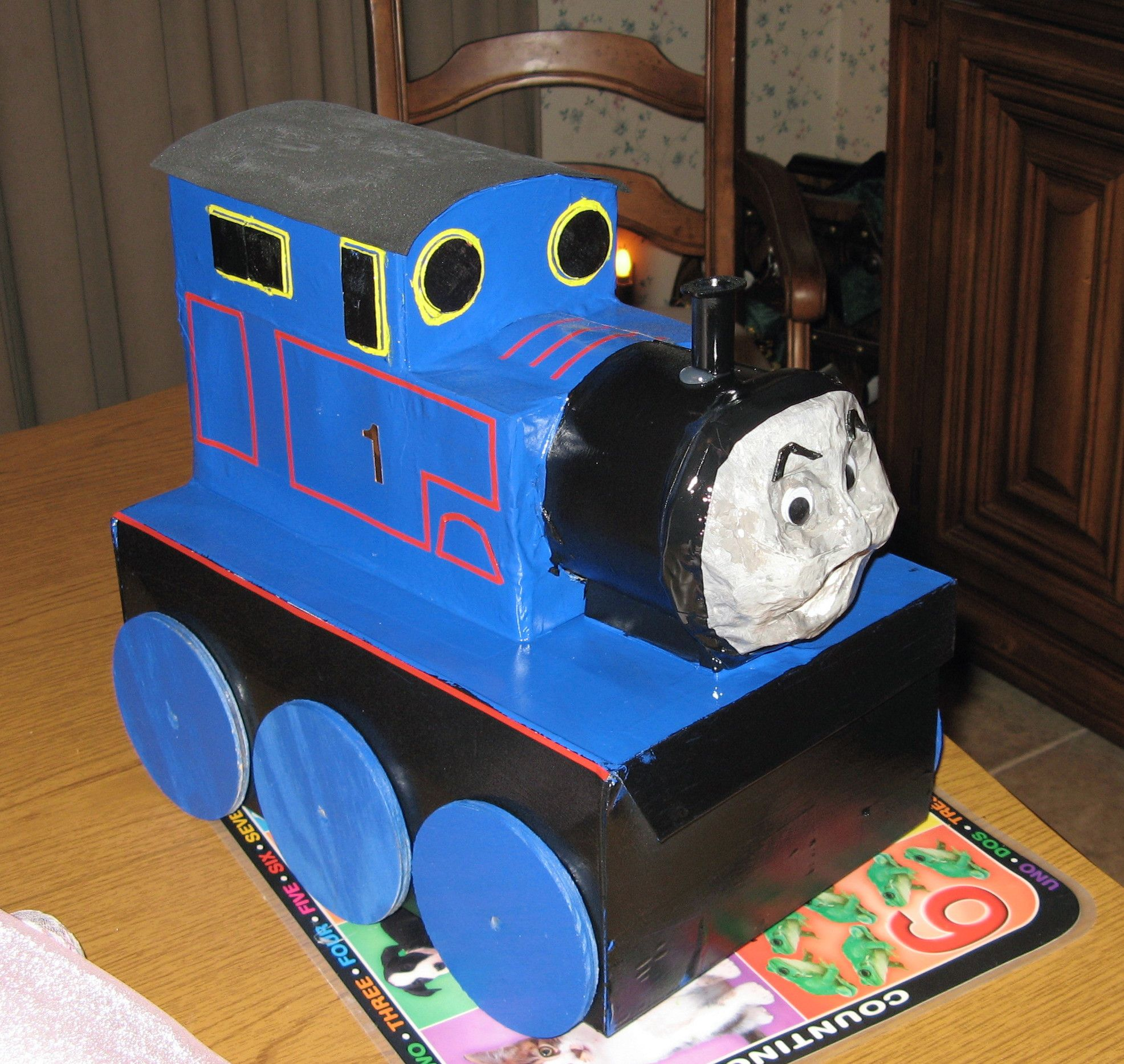 Thomas the Tank Engine Valentine box. (With images