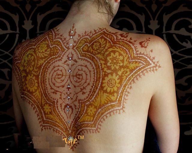 Mehndi Back Tattoo Designs : A henna back tattoo i can do the other stuff on myself but