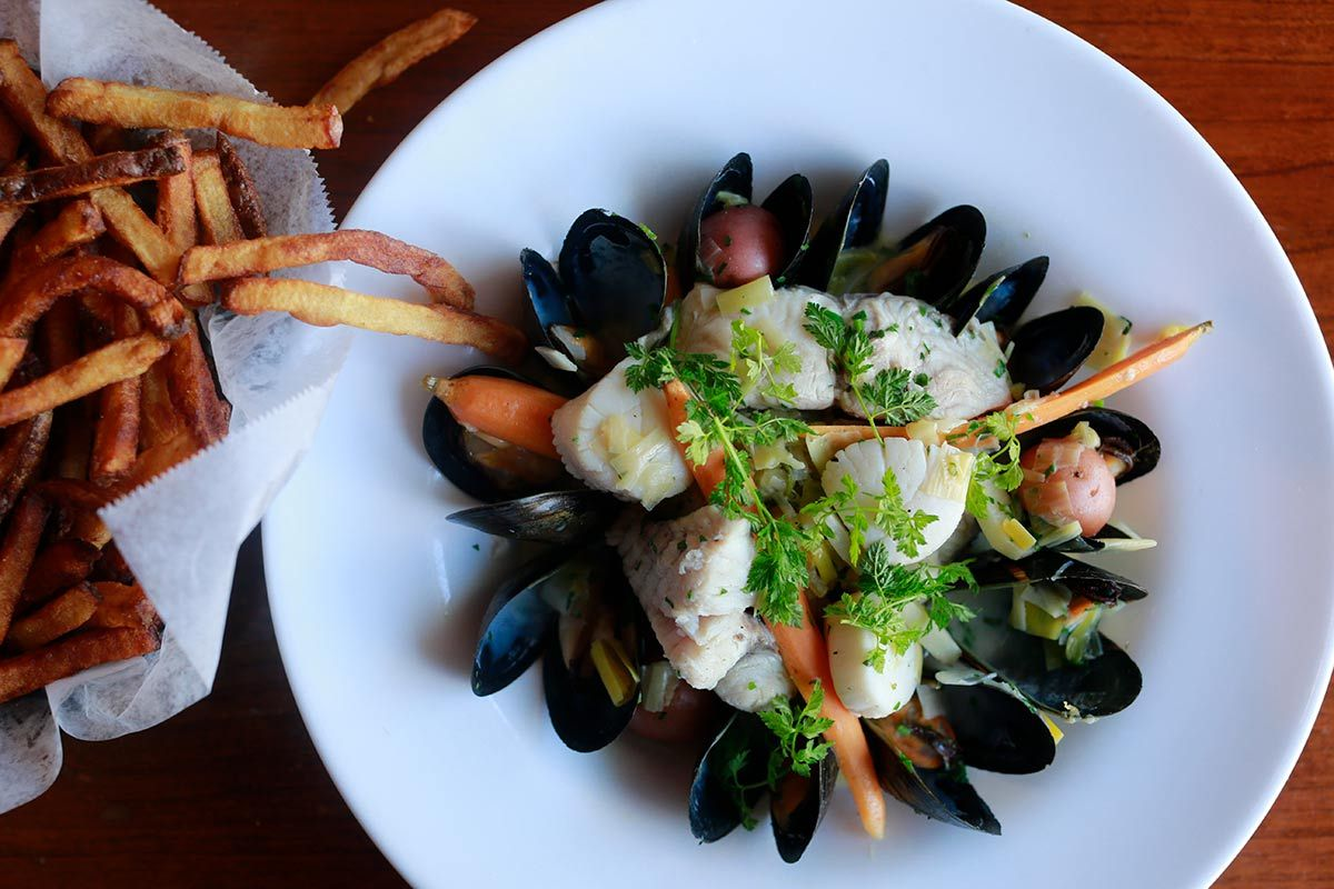 Best Restaurants And Bars Along The Main Line Craig Laban S
