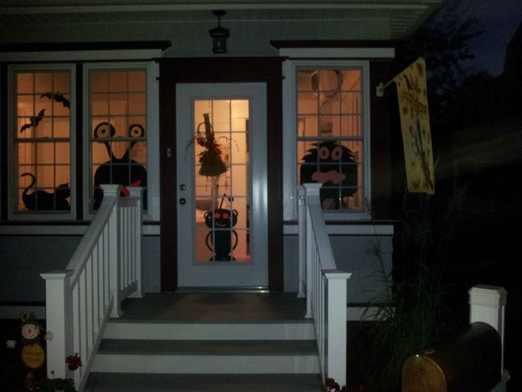 06-maisonhalloween-redditjpg (1070×803) Déco Halloween Pinterest - Halloween House Decorating Ideas Outside