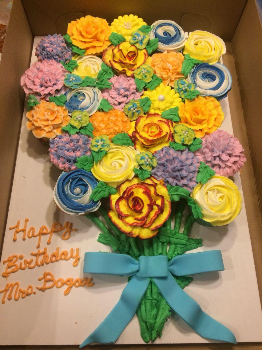A bouquet of flowers made for a teacher they are buttercream pull a bouquet of flowers made for a teacher they are buttercream pull apart cupcakes izmirmasajfo