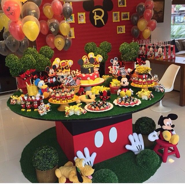 Mesa decoraci n mickey mickey pinterest decoracion for Decoracion la casa de mickey mouse