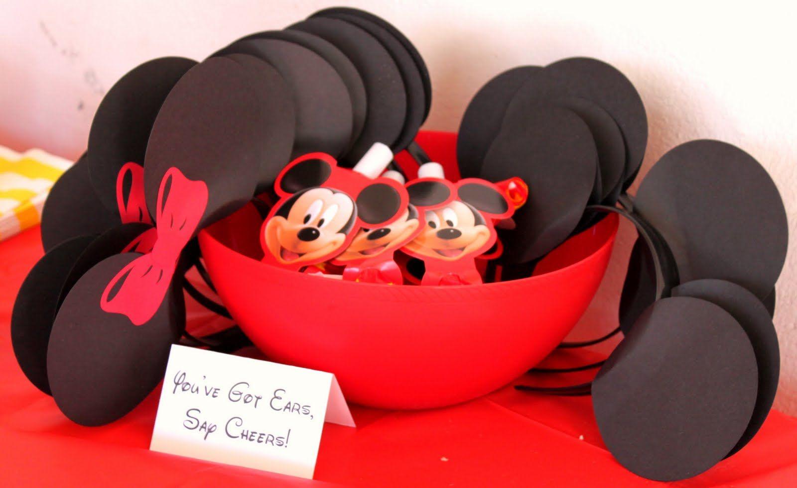 diy mickey mouse birthday party invitations | Along with soda ...