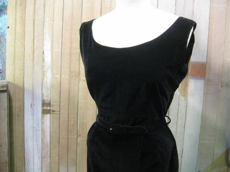 Black velvet vintage Dress 50s Hepburn Sabrina simple style S M | funkomavintage