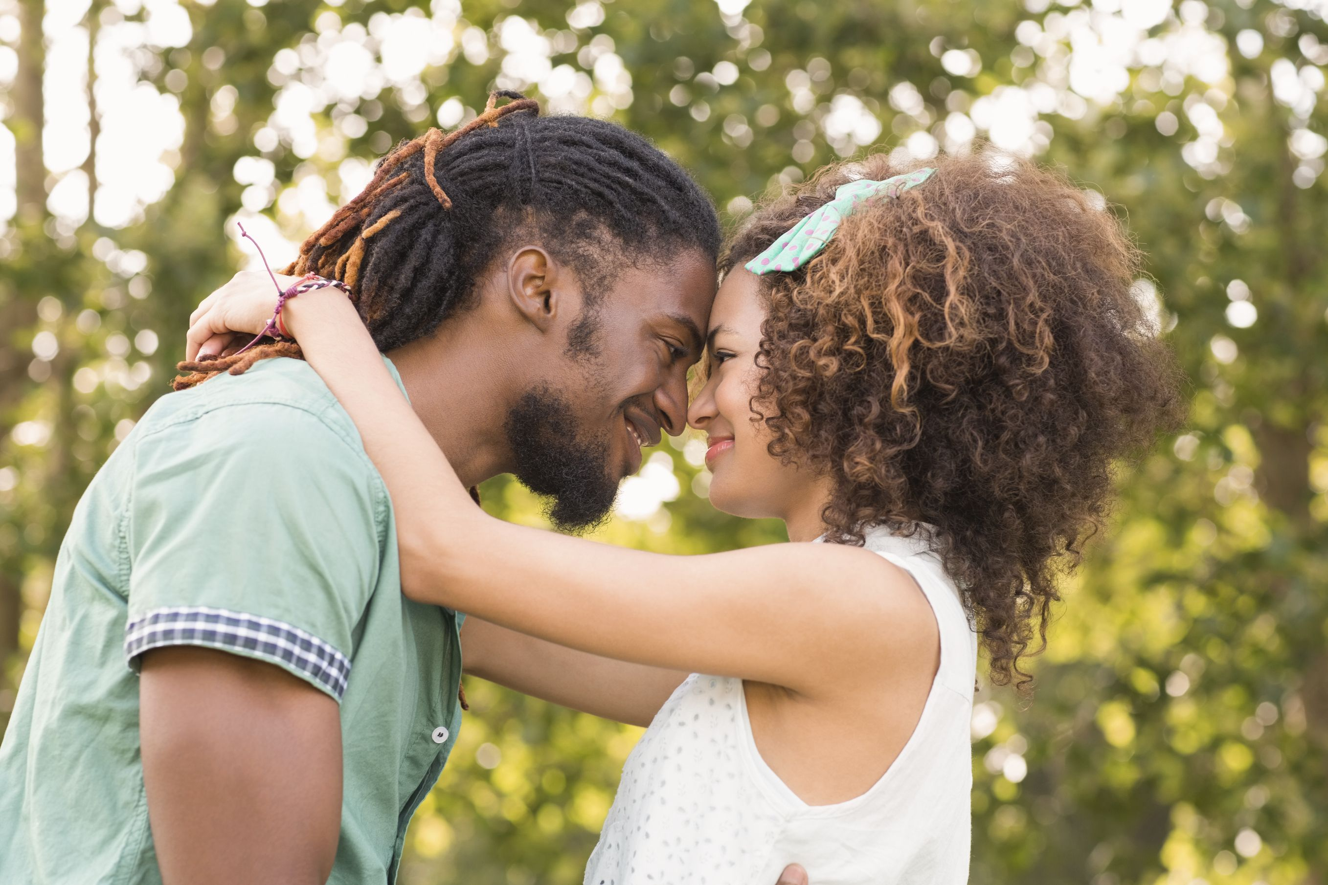 7 Things to Remember If You're a White Person Dating a Person of Color - Everyday Feminism