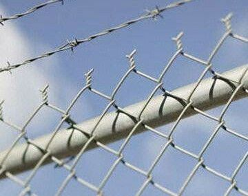 Contemporary Cyclone Wire For Fence And Cyclone Fence Price Per Foot Cyclone Fence Fence Prices Backyard Play Spaces