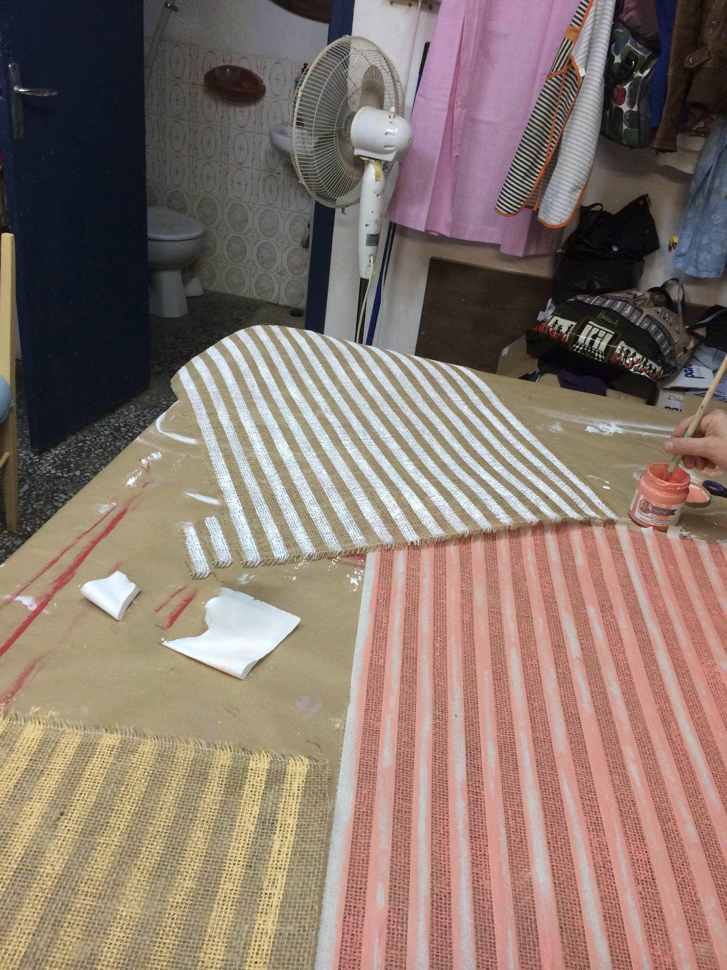 Pintar tejidos y hacer nuestras propias tela con pintura,