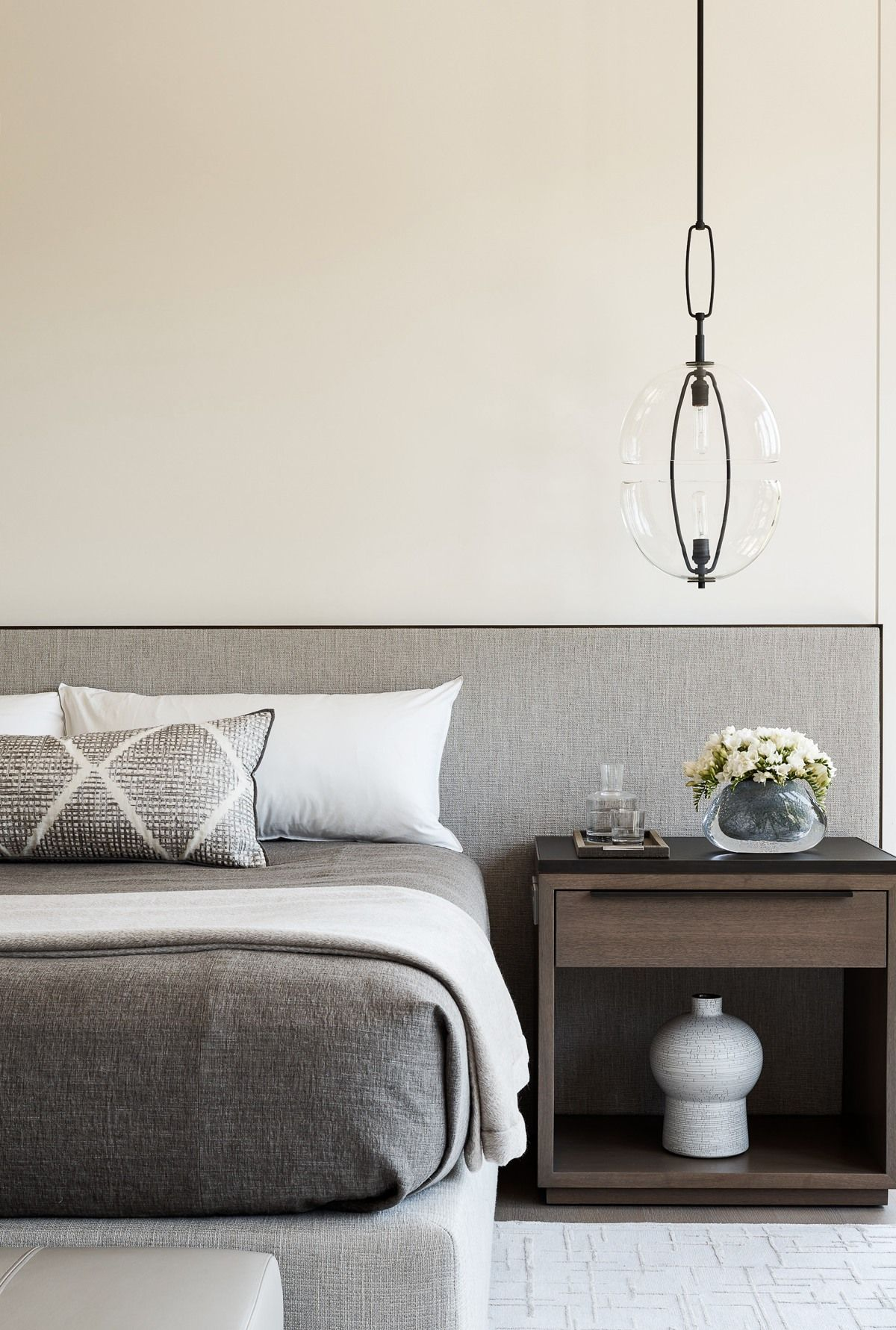 Grey minimal masculine bedroom design by matthew for Bedroom bedhead design
