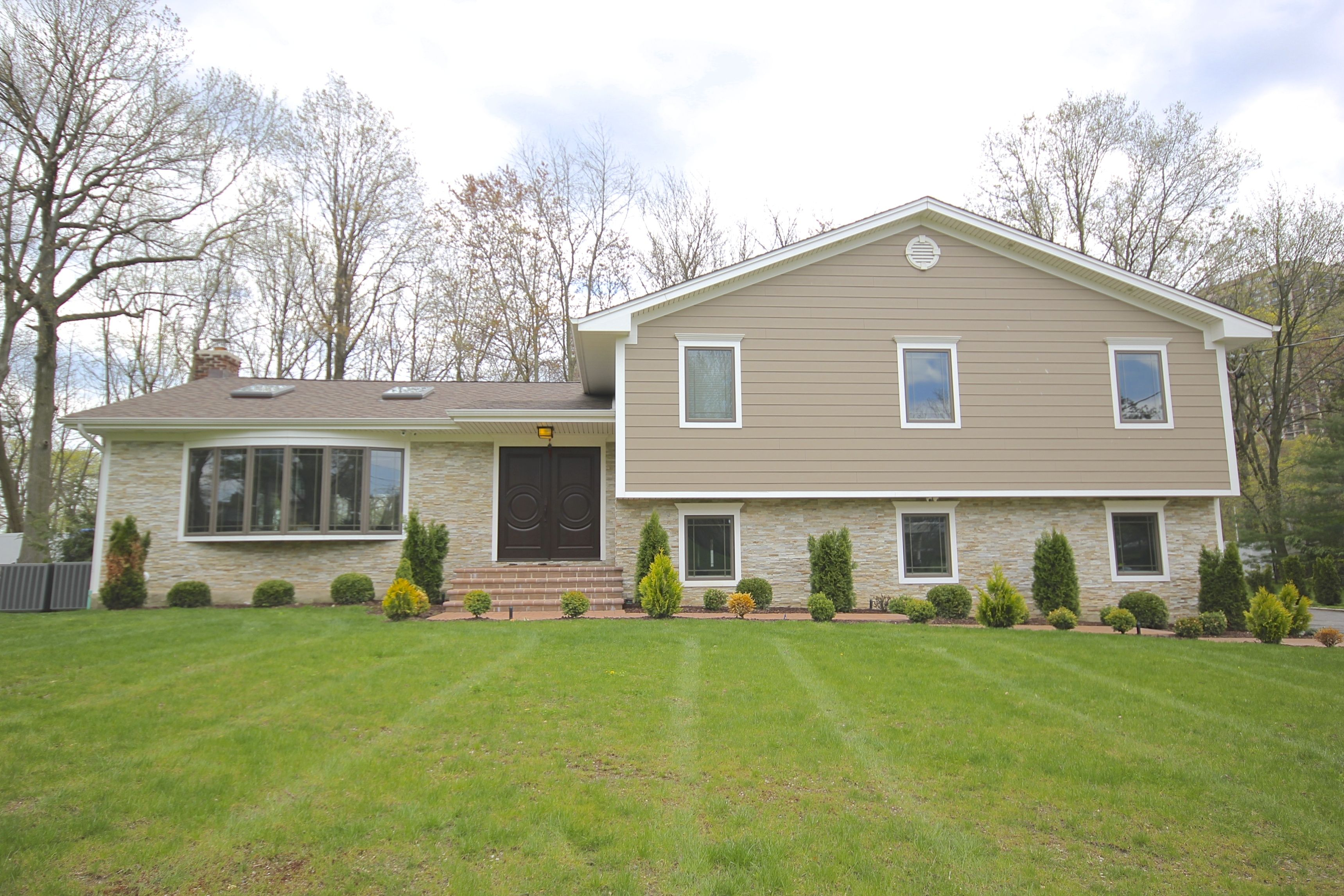 Pin By Premier Building On Lake Success Ny Complete Home Renovation Building Renovation James Hardie Siding Hardie Siding