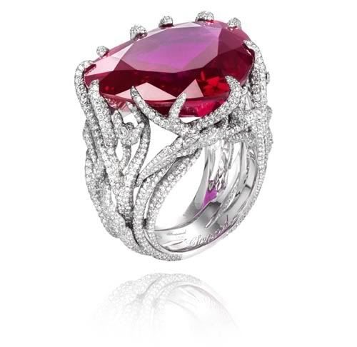 Chopard | heart-shaped ruby of 40.60 Carat), set with diamonds