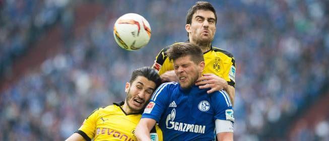 RT AS_TV: El Dortmund 'pincha' ante el s04 y deja ir al FCBayern http://bit.ly/1Sq6yjk vía diarioas  El Dortmund 'pincha' ante el s04 y