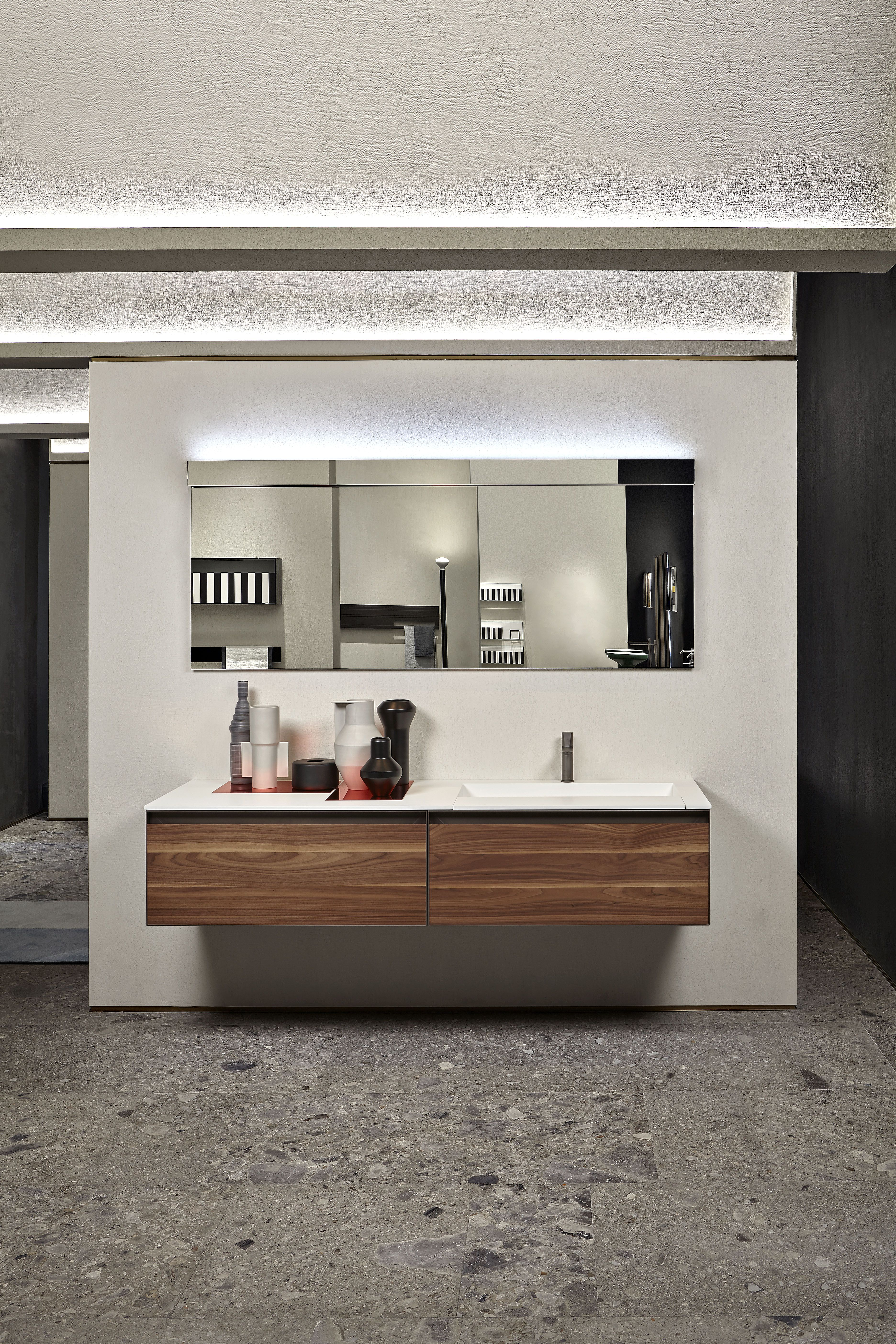 Atelier Is The New Antoniolupi Collection Designed By Mario Ferrarini Mit Bildern Badezimmer Zimmer Baden