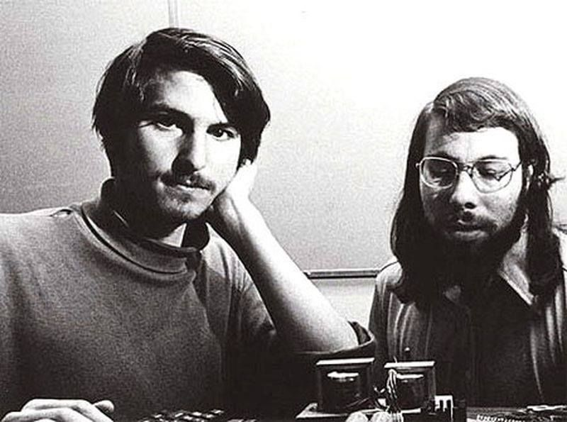 Steve Jobs y Steve Wozniak en el lanzamiento de la primera - jobs that are left