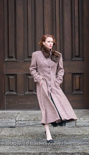 Trevillion Images - vintage-woman-in-coat-with-fur-collar