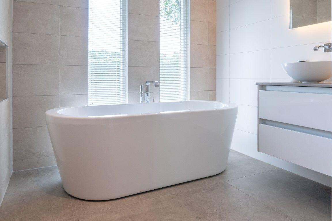 Badkamer betegeld cm vloer cm wanden