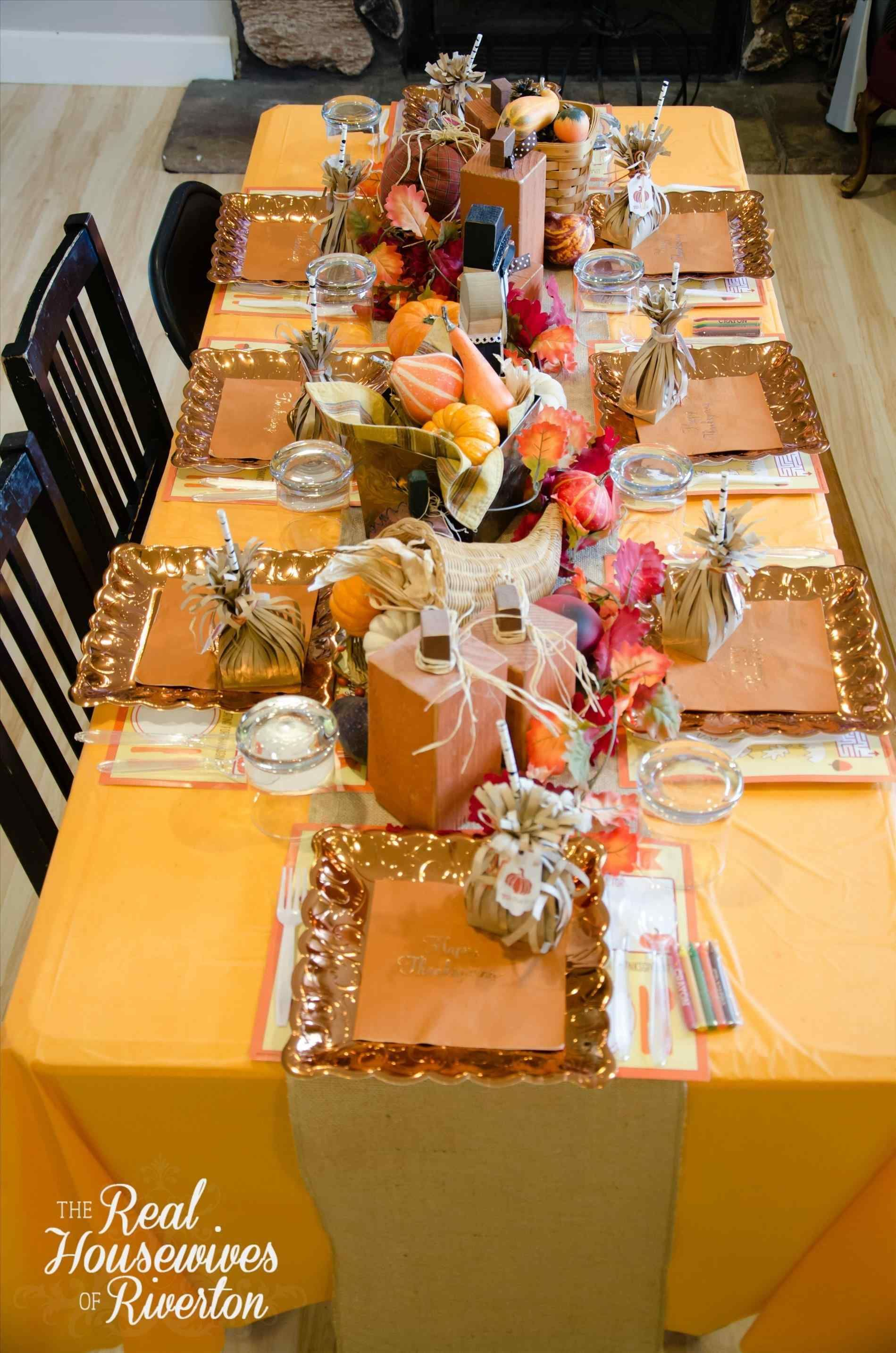 10+ Beautiful And Inexpensive Thanksgiving Table ...