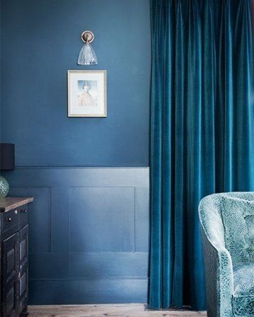 Velours donkerblauwe gordijnen kamerhoog #kleurentrends #gordijnen ...