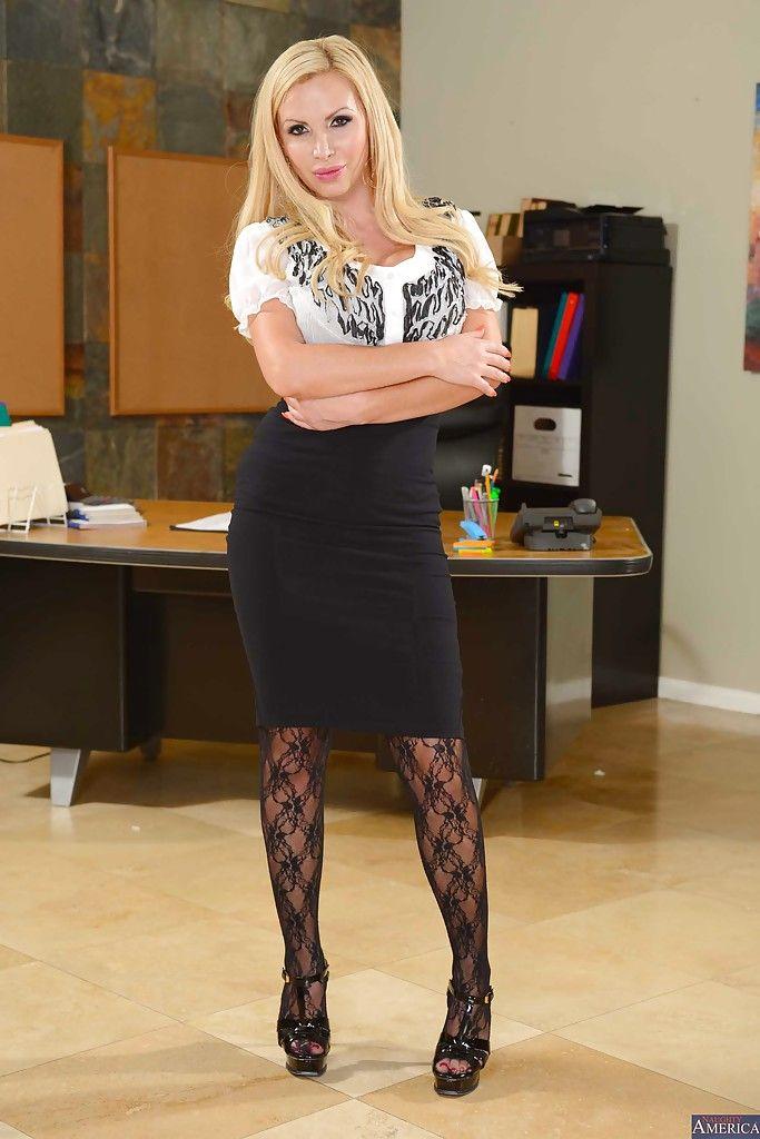 большие сиськи блондинка в офисе - 8
