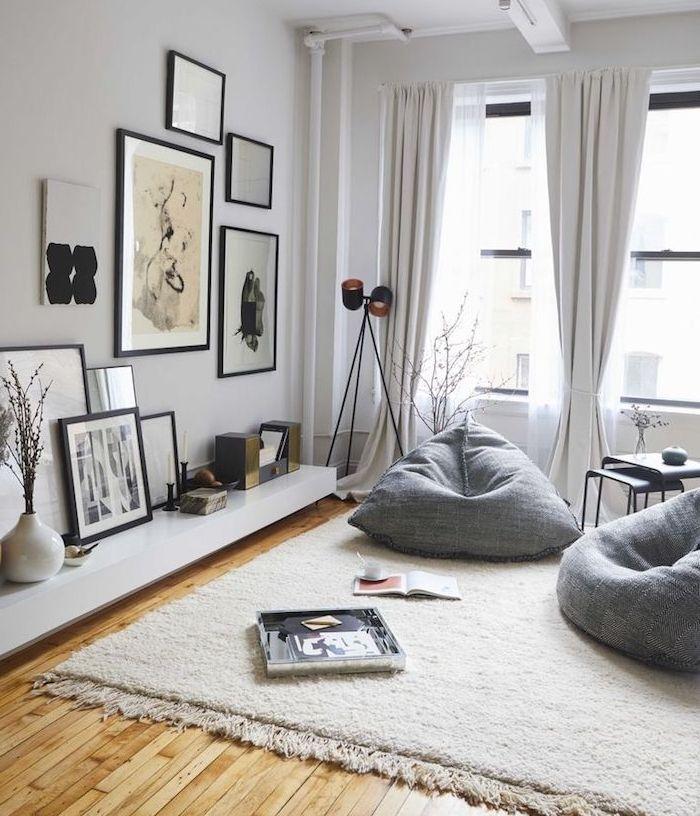 1001 conseils et id es pour adopter la d co cocooning chez soi tapis blanc fauteuil gris et. Black Bedroom Furniture Sets. Home Design Ideas